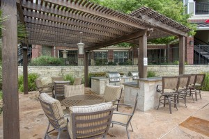 Three Bedroom Apartments for rent in San Antonio, TX - Pergola Grilling Area with Tables (2)